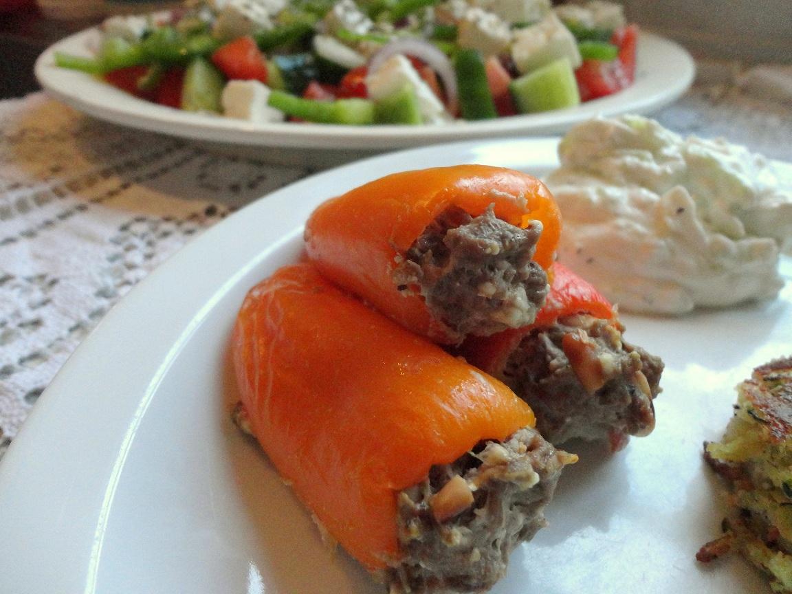 Minipeber med lammekød*