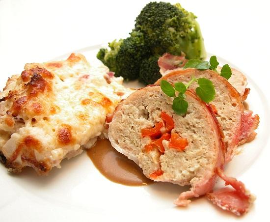 Kyllingefarsbrød med flødeosteblomkål