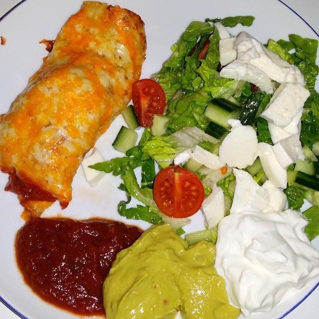 Ostewrap med salat og dip – af Christina Højsgaard
