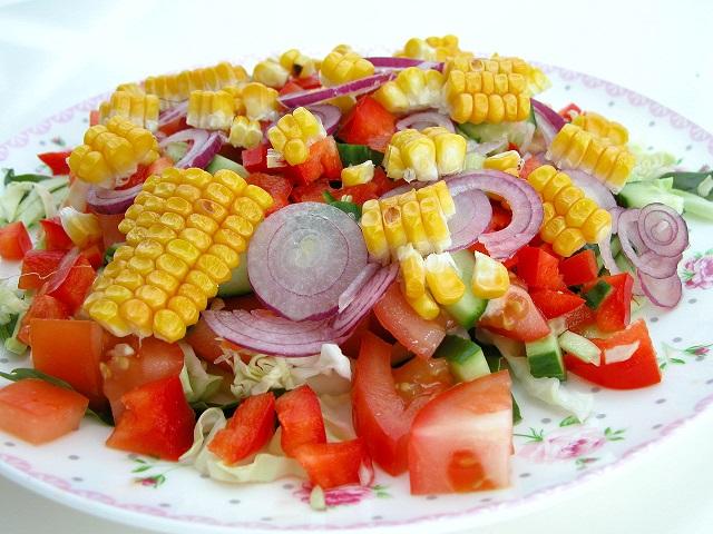 Salat med grillet majs