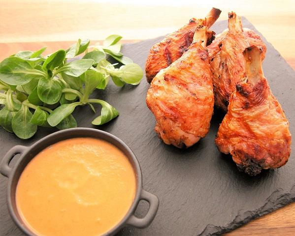 Røget kyllingelår med paprikasauce